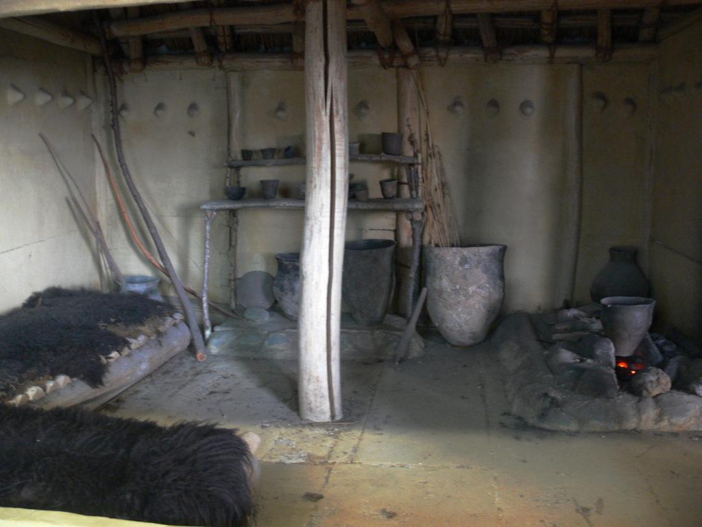 Intérieur de maison néolithique